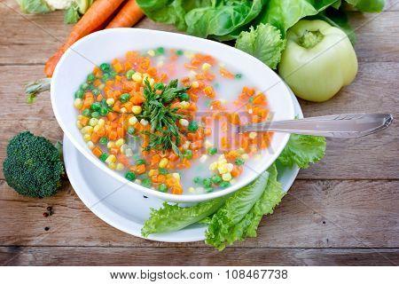 Vegetable soup - vegetarian meal (healthy food)
