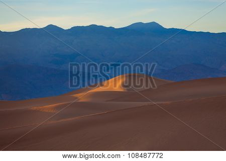 Evening dunes sands in the Death Valley