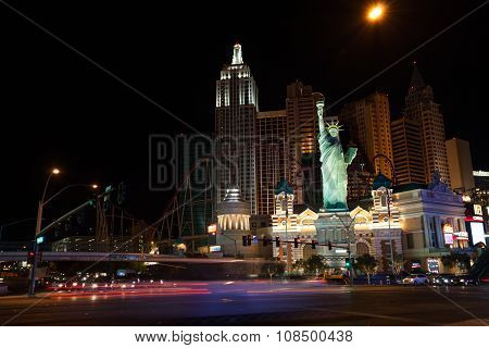 Nigh photo of liberty statue in New York hotel