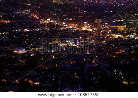 Night city view of LA from Griffith Observatory