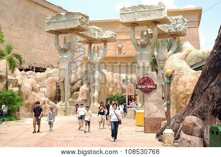 Ancient Egypt Statues in Universal Studios Singapore