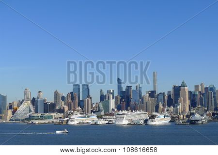 Cruise Liners on Hudson River