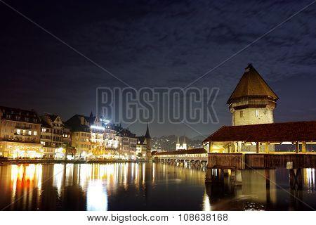 Night photos of Chapel Bridge in City of Lucern