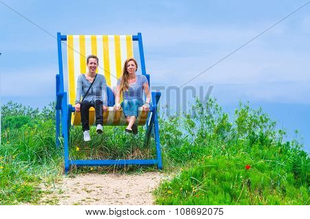 Big Deck Chair With 2 Women