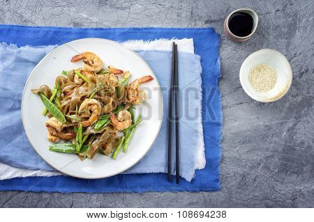 Kingprawns with Rice Noodles and Vegetable on Plate