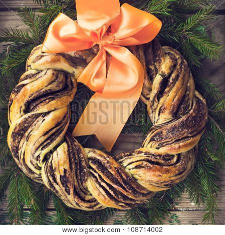Saffron And Cinnamon Bread Wreath, Toned