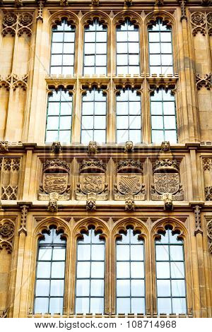 Old In      Parliament  Window    Structure And  Reflex