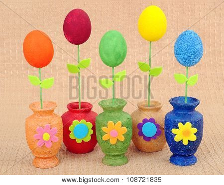 Handwork vases with the painted eggs