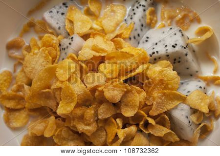 pitaya in corn flakes