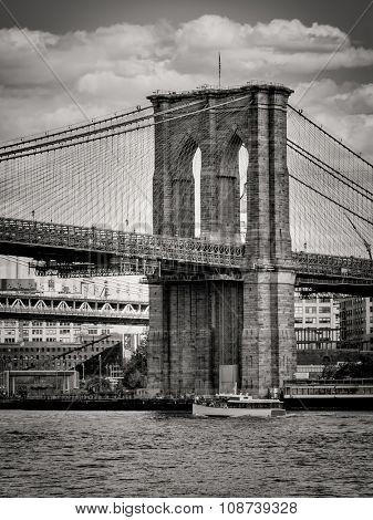 Black and white image of the Brooklyn Bridge in New York City