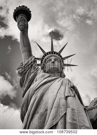 Black and white image of the Statue of Liberty in New York City