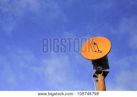 orange telecommunications antenna
