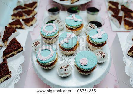 Delicious fancy wedding cake