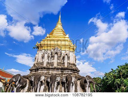 Chedi Chang Lom And Viharn, Wat Chiang Man Temple, Chiang Mai, Thailand.