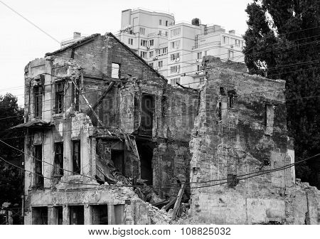 Old Ruined House In City After Bombing Black And White