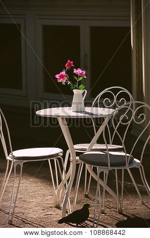 Table and chairs in a cafe.