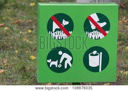 Table Regulates The Rules Of Conduct In The Park