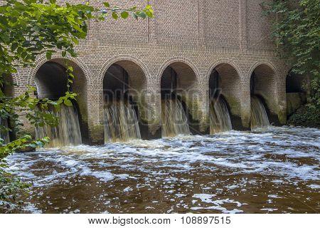 Water Flowing From Schuivenhuisje