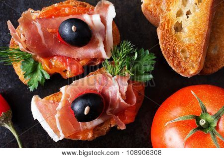 Spanish Tapas With Jamon And Tomato