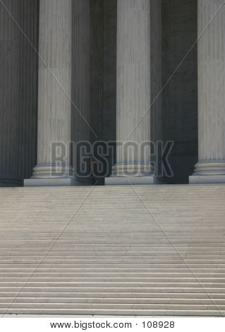 Steps And  Columns (supreme Court)