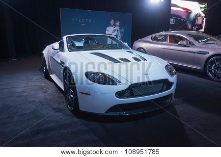 Aston Martin V-12 Vantage S