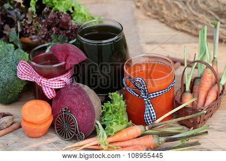 Smoothies Mixed Vegetables, Beetroot, Carrot And Green Vegetables.