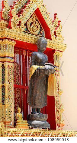 statue in a Buddhist