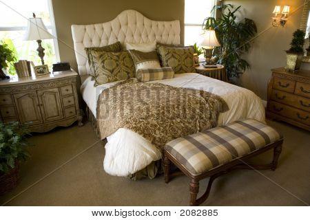 Bedroom 1377