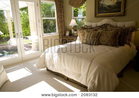 Bedroom With Garden 1405