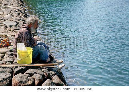 Homem velho sem-teto da Bretanha