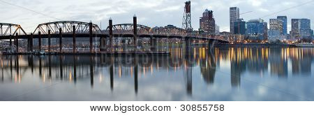 Hawthorne Bridge Over Willamette River At Dusk