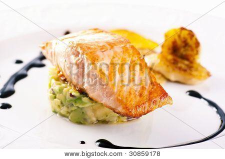 Salmon with avocado tatar and caramelised banana