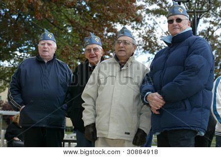 NOVA YORK - 11 de novembro: Membros dos veteranos de guerra católico americano mártires, Post 1772 de Bayside