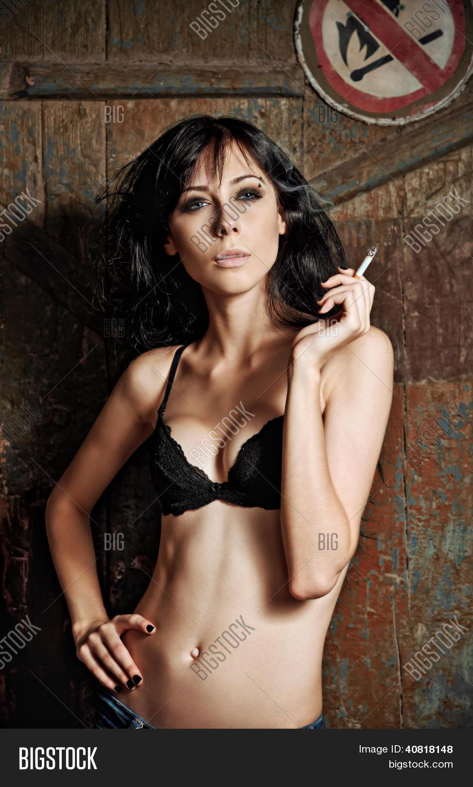 girls smoking sexy