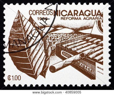 Postage stamp Nicaragua 1986 Tobacco, Agrarian Reform