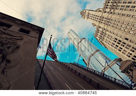 Michigan Avenue Bridge, Wrigley Building und Trump tower
