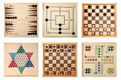 pic of draught-board  - Board games  - JPG