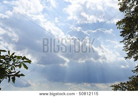 clouds with rays of light