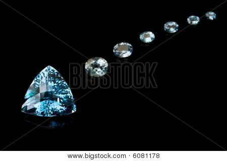 Trilliant Cut Blue Topaz Sequence