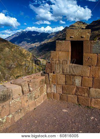 Ruins Of Pisaq