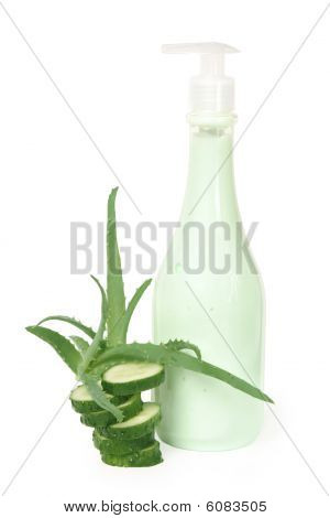 Cream with aloe vera and cucumber extract