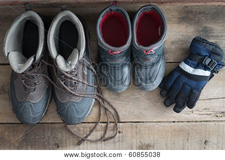 Adult And Kids Snow Boots With Gloves
