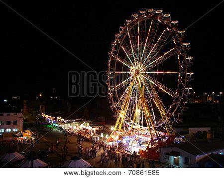Carousel - ferris wheel at night
