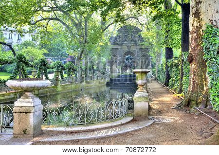 Paris. Old Fountain Medici
