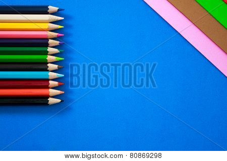 Color pens in various colors