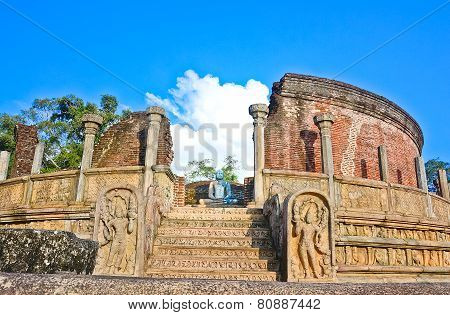 The Ruins of Polonnaruwa, Polonnaruwa Is The second most ancient of Sri Lankas kingdoms