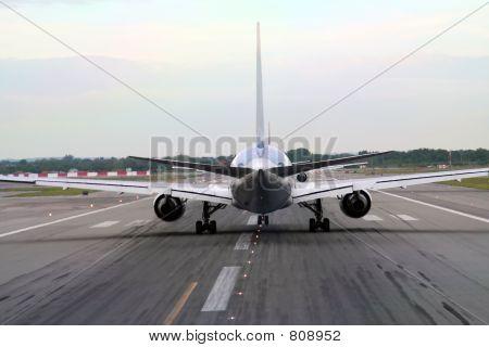 aiplane waiting