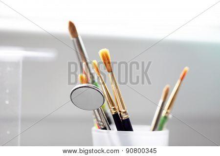 Brushes Dental Instruments