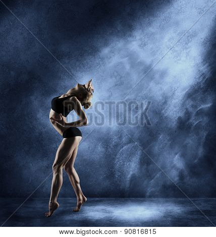 Dancing Woman, Sexy Girl Posing In Expressive Sport Dance, Fitness Dancer Athletic Body