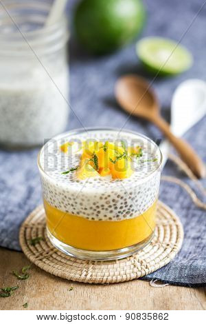 Chia With Mango Pudding